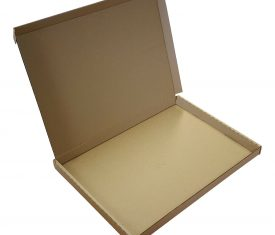100 A4 C4 Cardboard Postal Mailing Boxes Flat Pizza Style 335mm x 243mm x 25mm